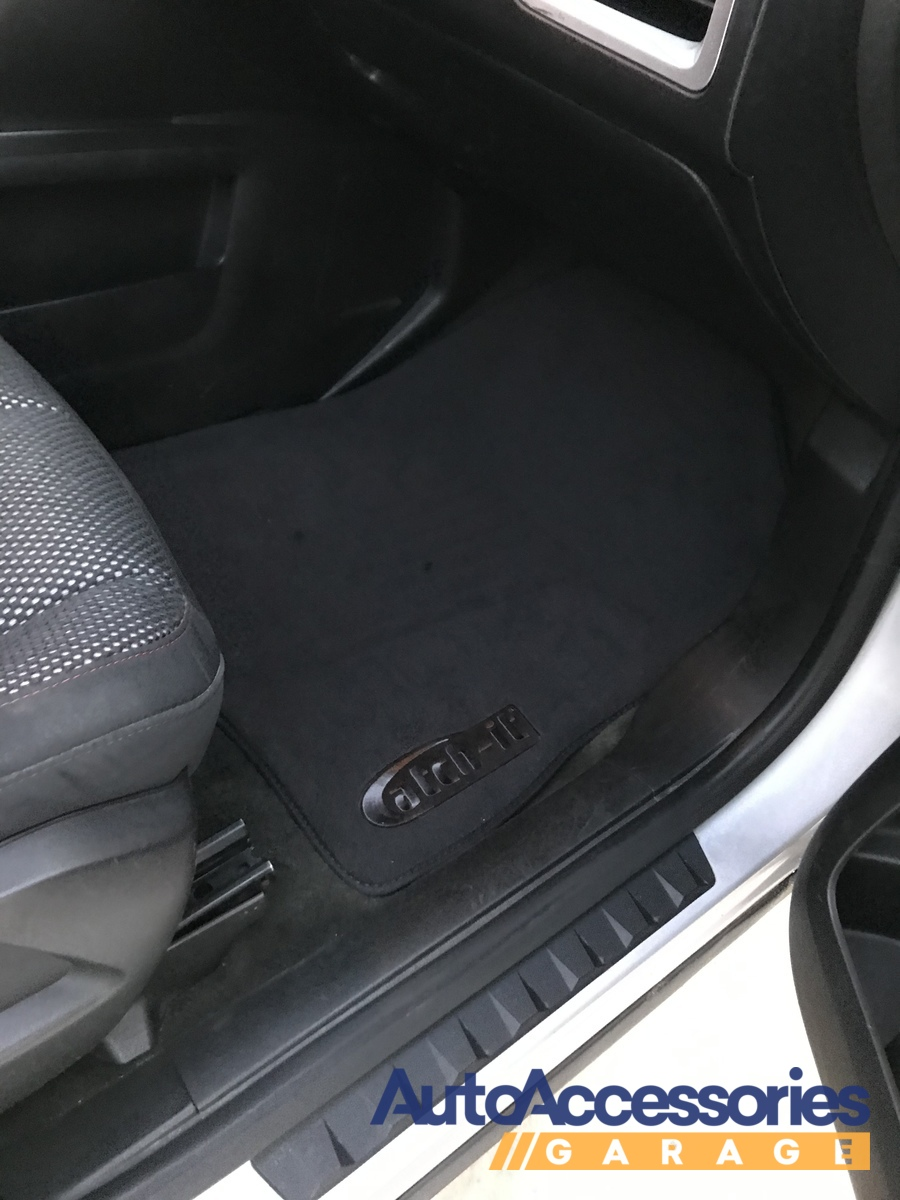 Lund 783033-B Catch-It Carpet Black Rear Seat Floor Mat